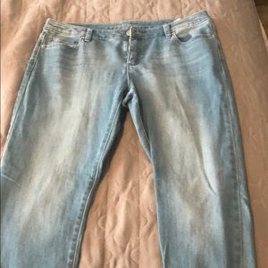 Never worn Michael Kors light wash jeans